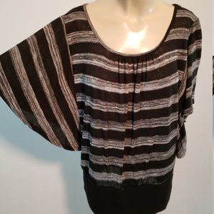 IZ BYER Batwing Top Black And White Large